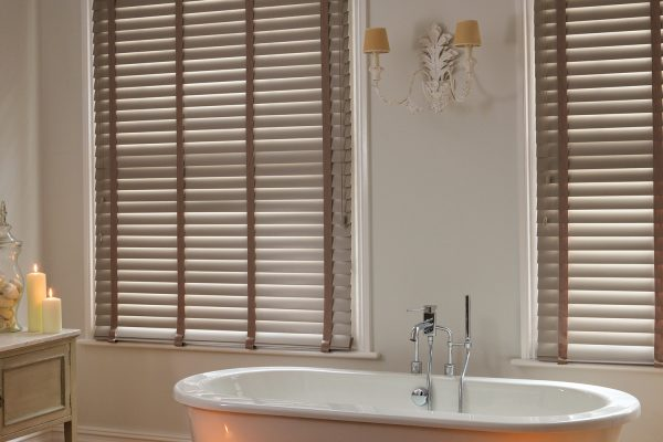 venetian clay colour bathroom blinds
