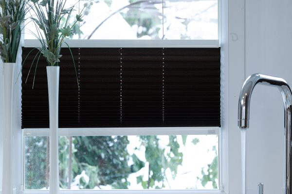 Intu pleated multizone black